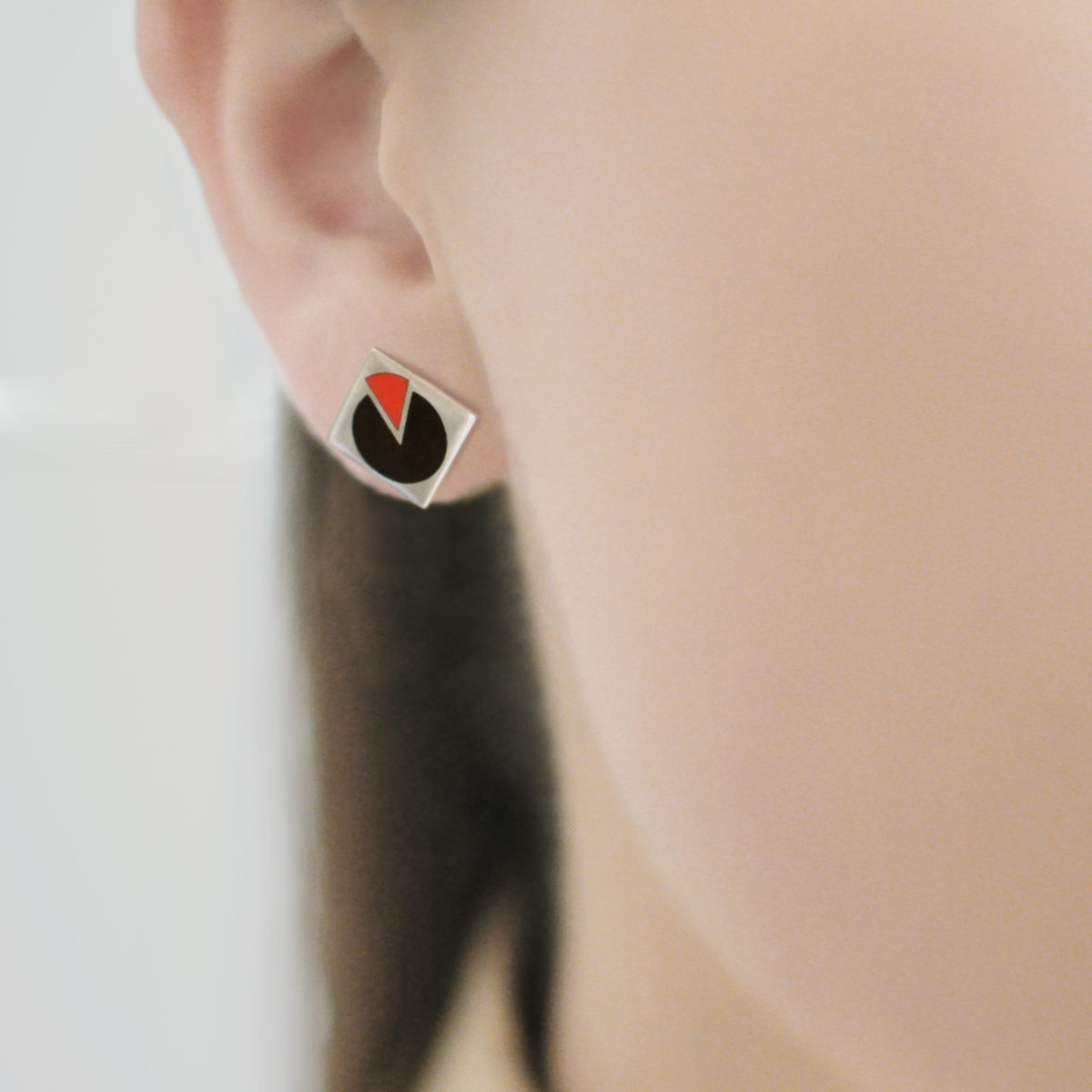 Serebro 2 1200x1200 - Пуссета «Малевич», черно-красная