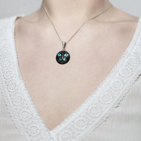 Serebro golubaya 4 600x600 - Подвеска из серебра «Кошачьи глазки», голубая