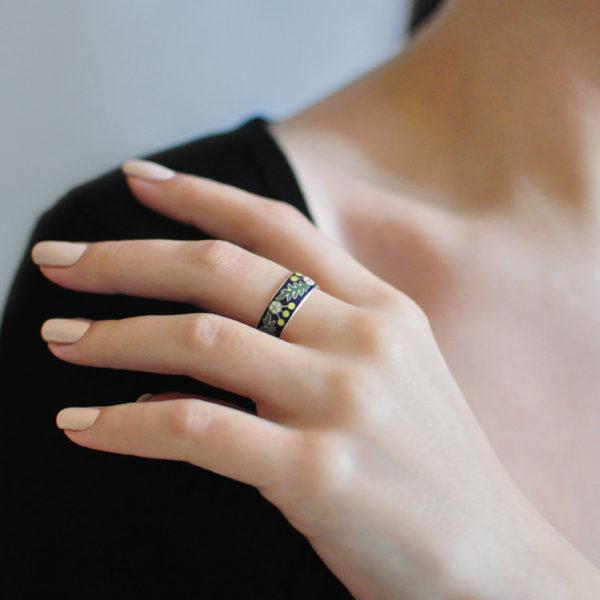 Serebro s zheltym 600x600 - Кольцо серебряное «Спас-на-крови», синяя