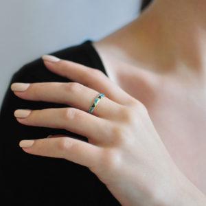 Zolochenie golubaya 10 300x300 - Кольцо из серебра «Седмица» (золочение), голубая