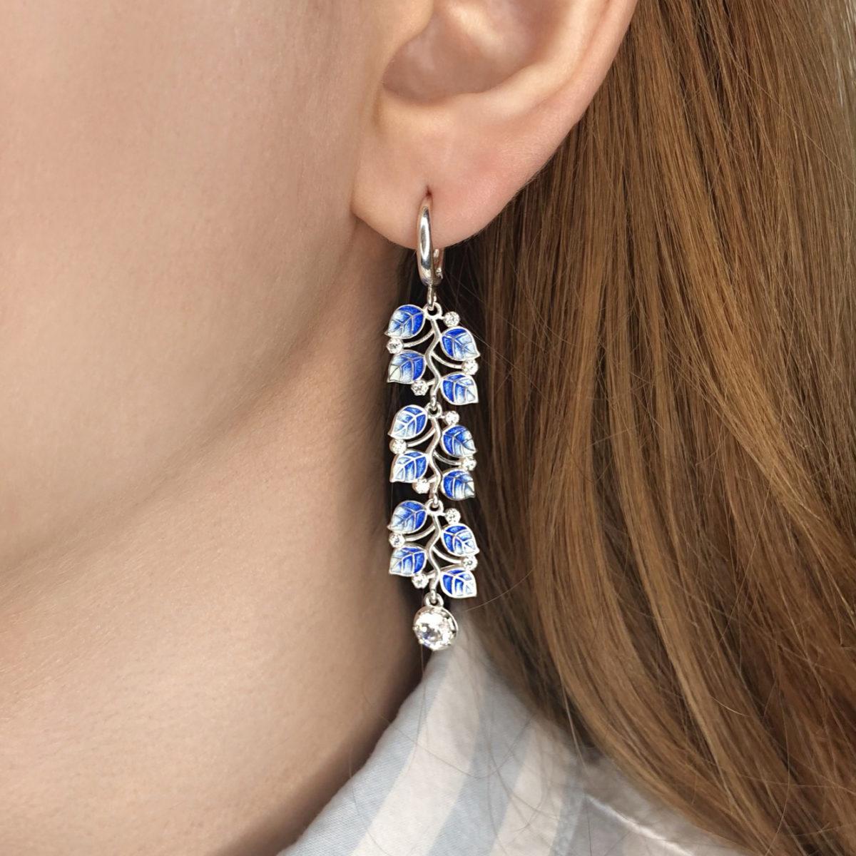 dlinnye sergi podveski melissa 1200x1200 - Длинные серьги-подвески серебряные «Мелисса», синие