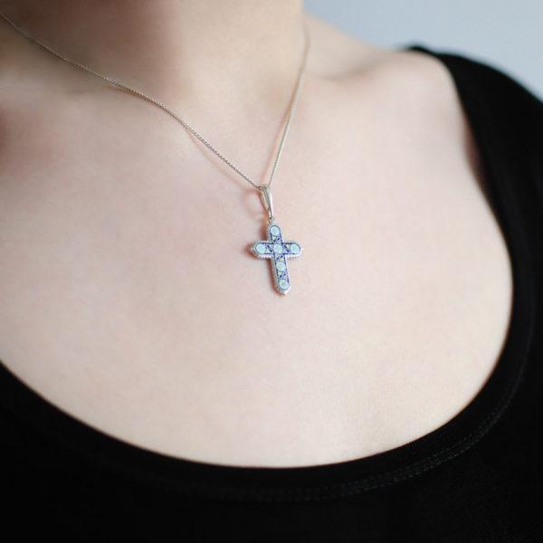 Serebro sinyaya 3 600x600 - Нательный крест «Спас на крови», синий