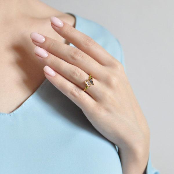 61.202z fioletovaya 600x600 - Кольцо из серебра «Бабочка» (золочение), фиолетовое