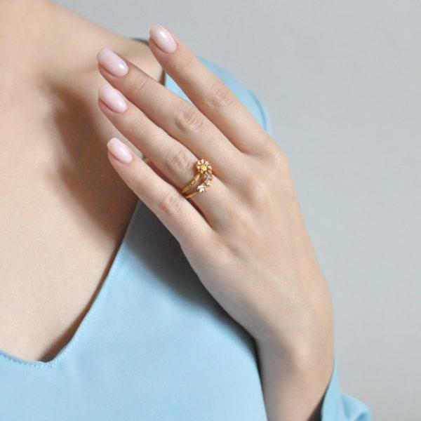 61.206 z rozovaya 600x600 - Кольцо из серебра «Бантик» (золочение), розовое