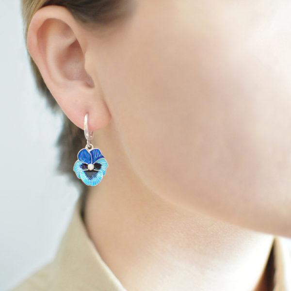 serebro golubaya 1 600x600 - Серьги-подвески «Анютины глазки», голубые