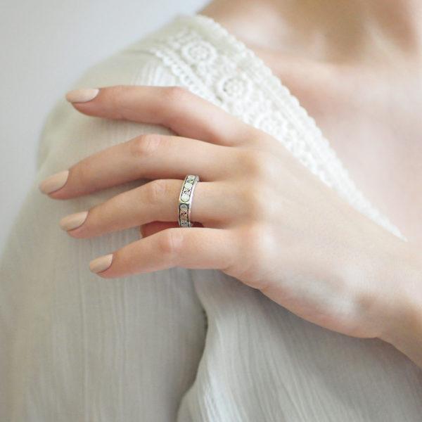 serebro sinyaya 600x600 - Кольцо серебряное квадратное «Спас-на-крови», синяя