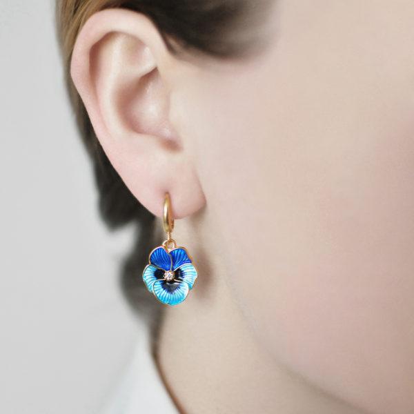 zolochenie golubaya 1 600x600 - Серьги-подвески «Анютины глазки» (золочение), голубые