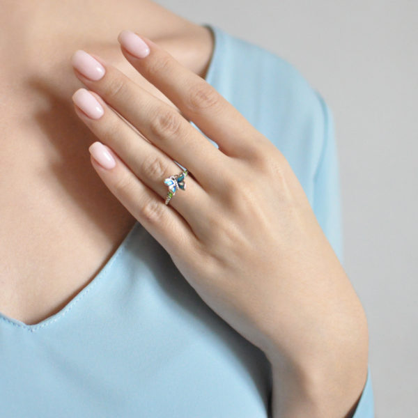 serebro golubaya 1 600x600 - Кольцо из серебра «Бабочка», голубое