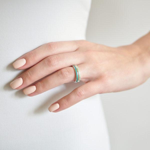serebro 154 155 600x600 - Кольцо из серебра «Принцесса на горошине», морская волна
