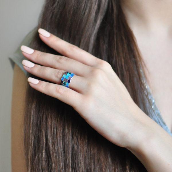 serebro raznoczvetnaya 600x600 - Кольцо из серебра «Пазлы», трехцветное