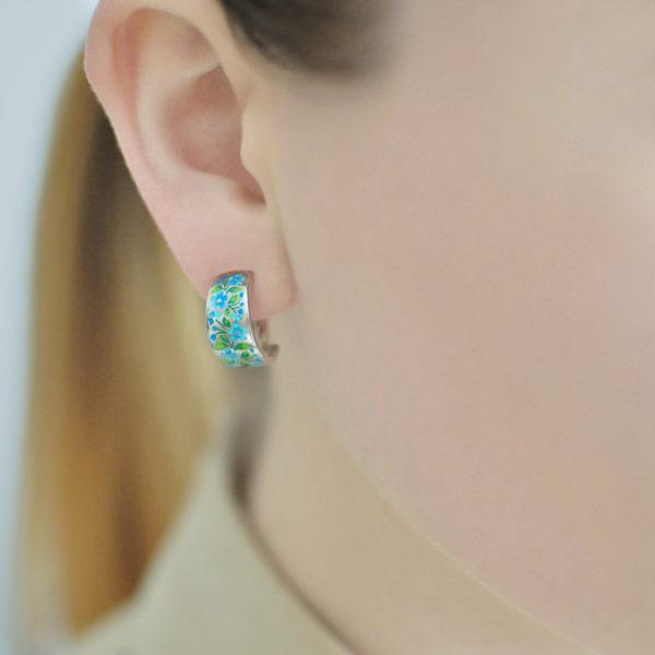 serebro golubaya 600x600 - Серьги-полукольца серебряные «Незабудки», голубые