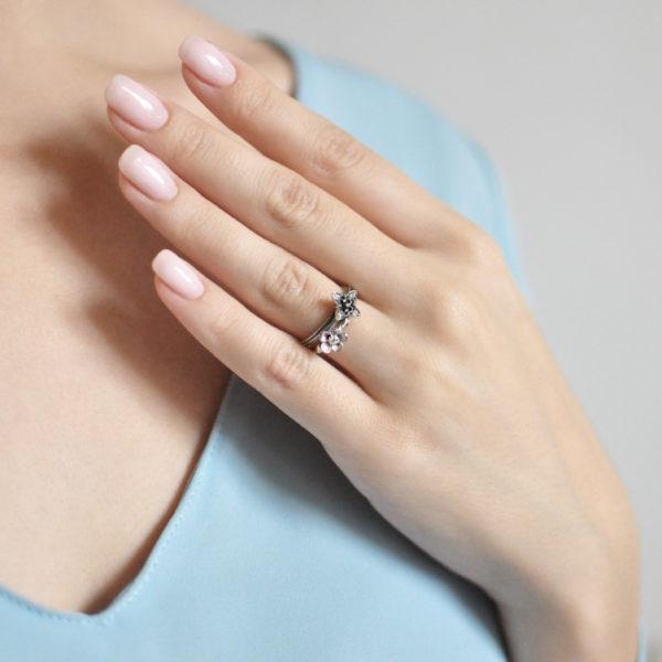 61.203 61.204 1 600x600 - Кольцо серебряное «Сакура», розовое