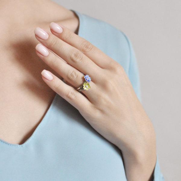 61.205 zheltaya 61.205 sinyaya 600x600 - Кольцо серебряное «Мальва», синее
