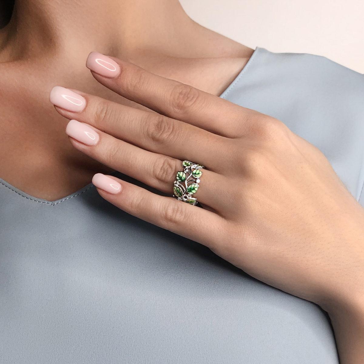 luchshe chem na sajte kolczo melissa zelenaya 1200x1200 - Кольцо из серебра «Мелисса», зеленое с фианитами
