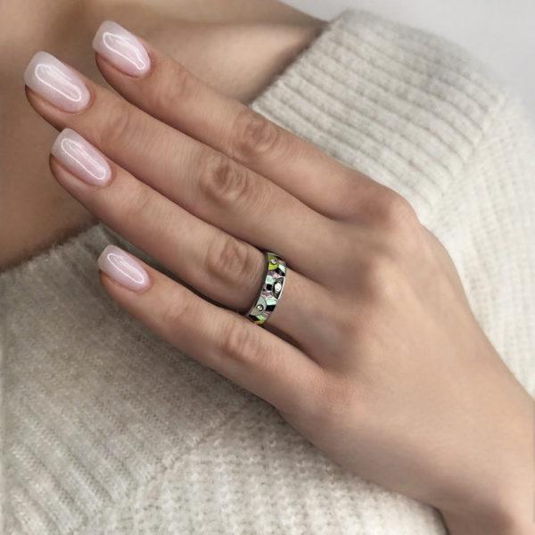 sravnit erte trehczvetnoe 600x600 - Кольцо из серебра «Эрте», разноцветное с фианитами